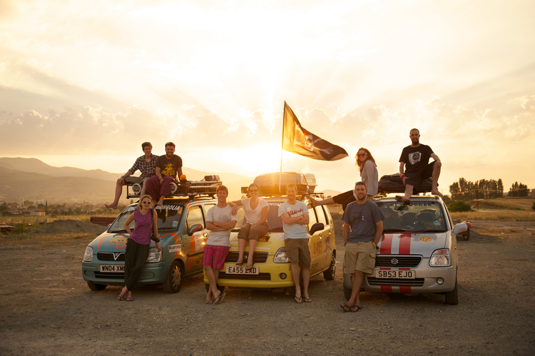 Mongol-Rally-Suzuki Wagon Teams Turkey Sunset